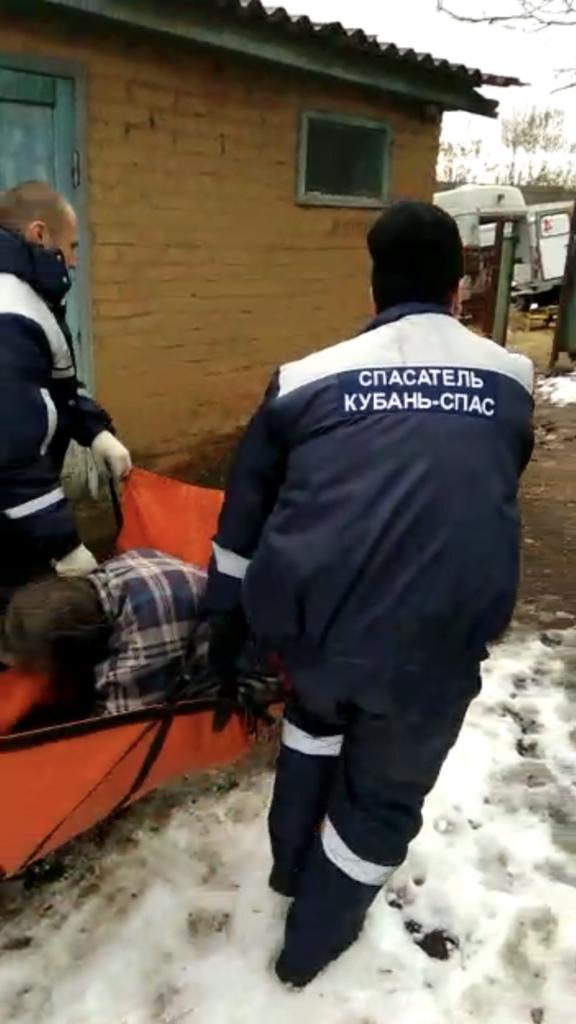 На Кубани бдительные соседи спасли женщину от смерти