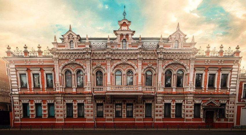 v_krasnodare_na_vystavke_pokazhut_artefakty_izyatye_u_ohotnikov_za_drevnostyami