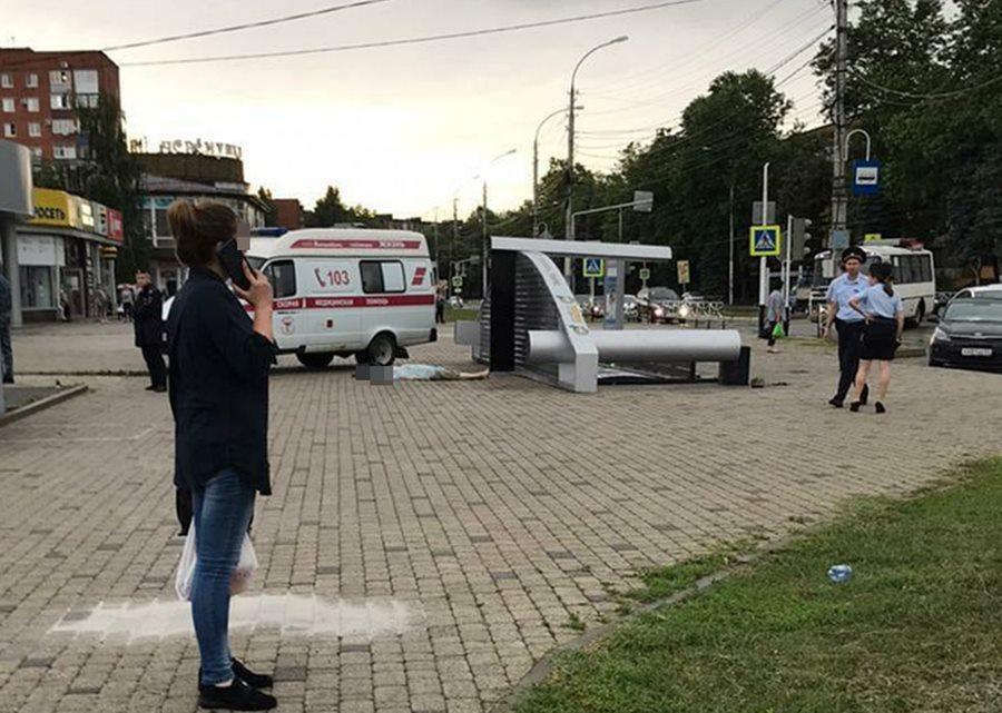 v_dele_o_gibeli_pensionerki_pod_ostanovkoj_obshchestvennogo_transporta_poyavilsya_novyj_obvinyaemyj