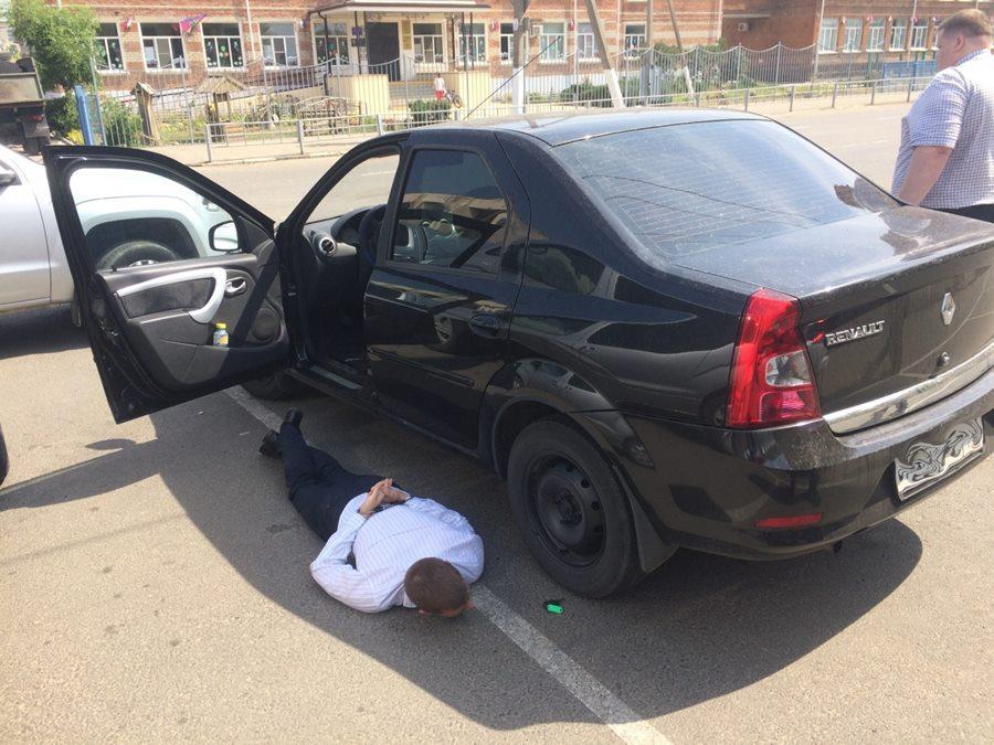 na_kubani_sotrudnik_policii_zaderzhan_za_vzyatku