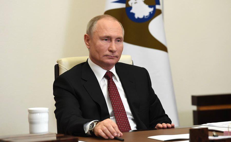 putin_provedet_bol'shuyu_press_konferenciyu_17_dekabrya