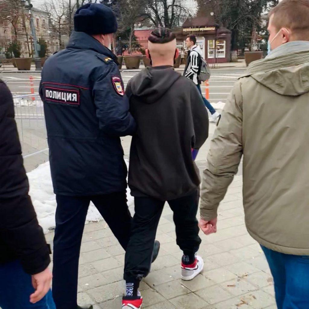 v_krasnodare_policiya_zaderzhala_tiktokera_danyu_milohina_iz_za_massovogo_skopleniya_ego_fanatov