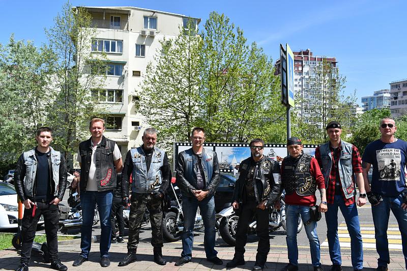 sochi_stal_uchastnikom_vii_mezhdunarodnogo_motoprobega_dorogi_pobedy_doroga_domoj_02