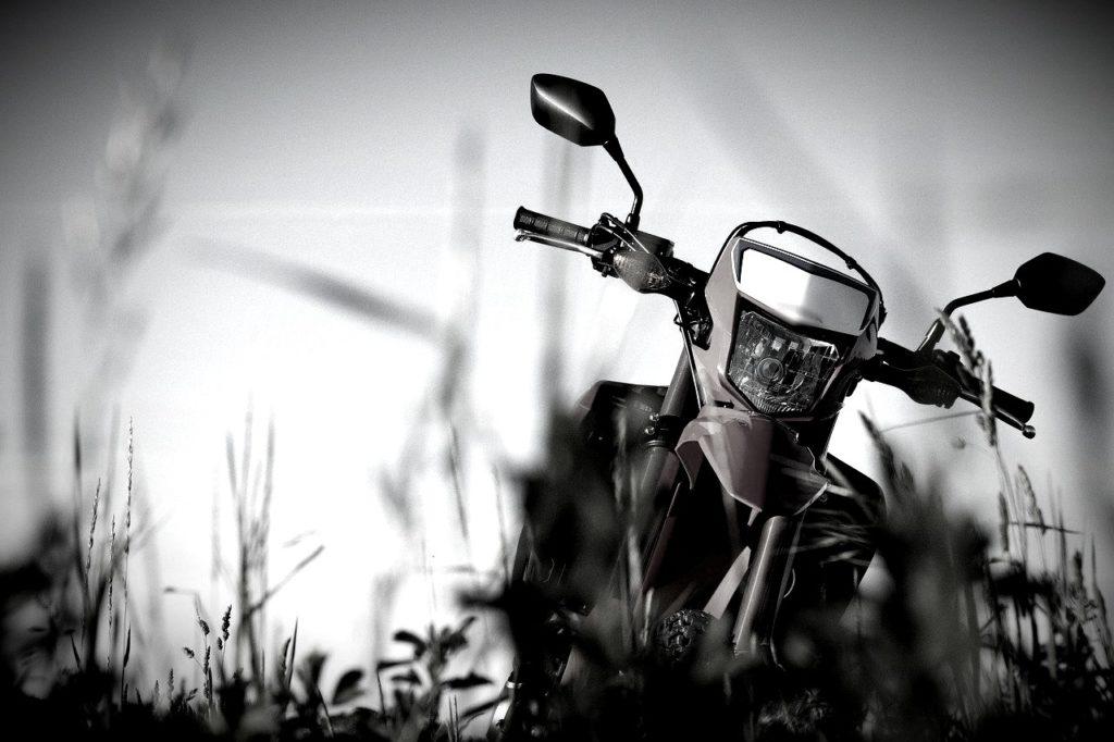 na_kubani_podrostki_na_motociklah_ustroili_dtp_postradali_4_shkolnika_01