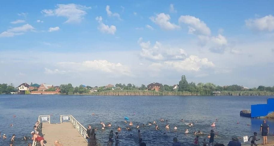 v_stanice_kanevskoj_na_centralnom_plyazhe_utonul_11_letnij_malchik