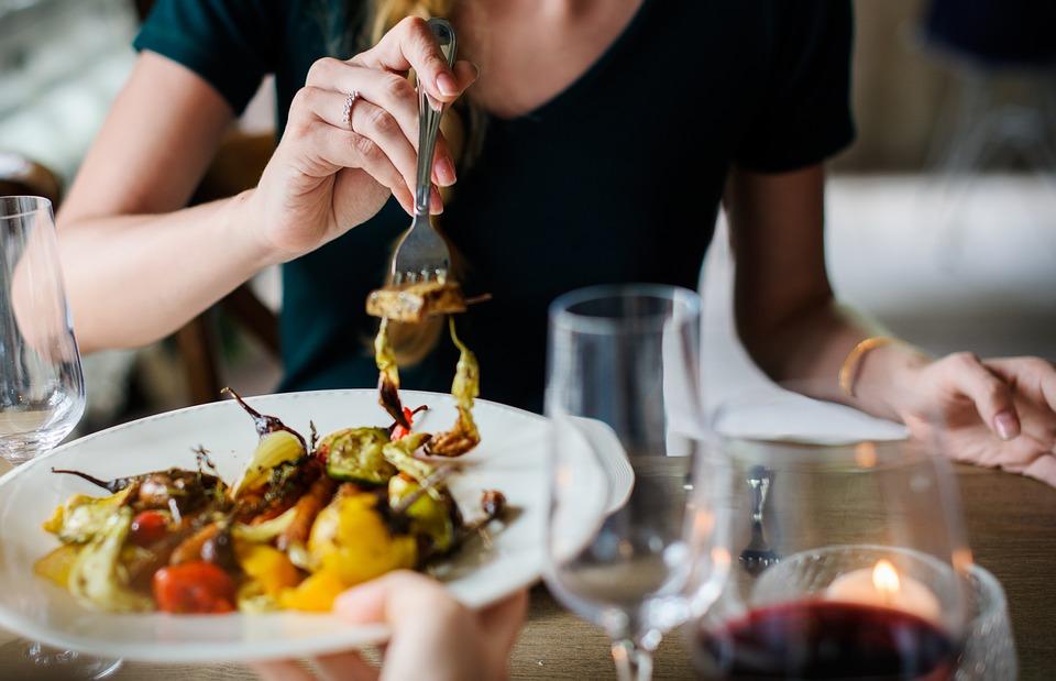 10 блюд, которые не стоит заказывать в ресторане