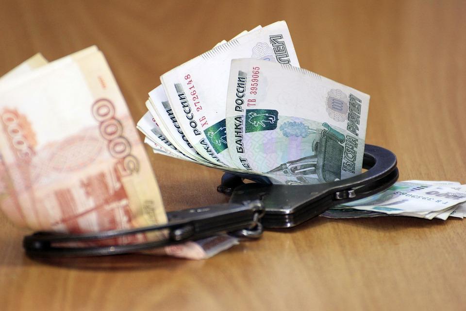 В Сочи вымогали 3,5 млн адвокат и полицейский