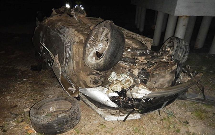 В Адыгее машина упала с моста, трое погибли