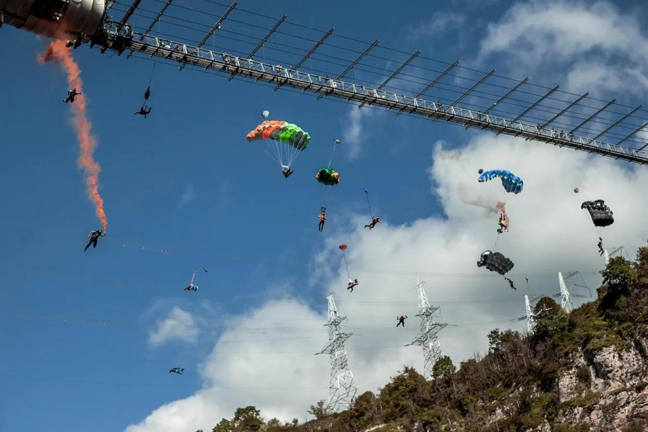 Мировой рекорд в массовом прыжке с моста был установлен в Сочи