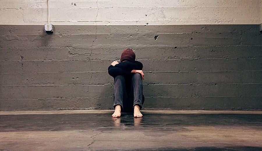 Выпавшим из окна в Краснодаре оказался 17-летний подросток