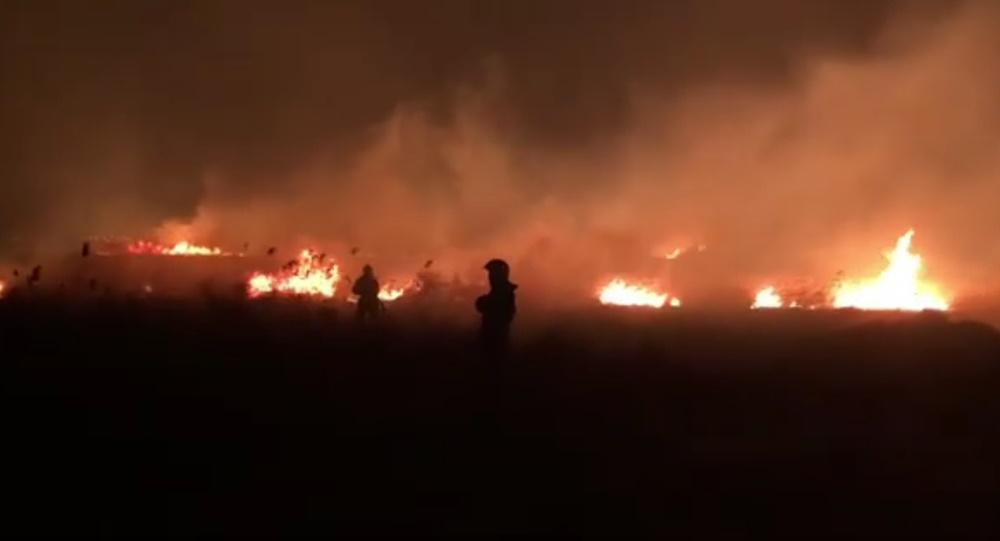 Людей просят покинуть свои дома в зоне крупного пожара под Анапой