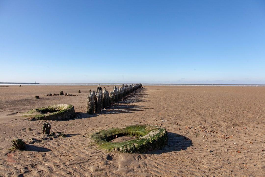 Азовское море отступило от берега на 100 метров