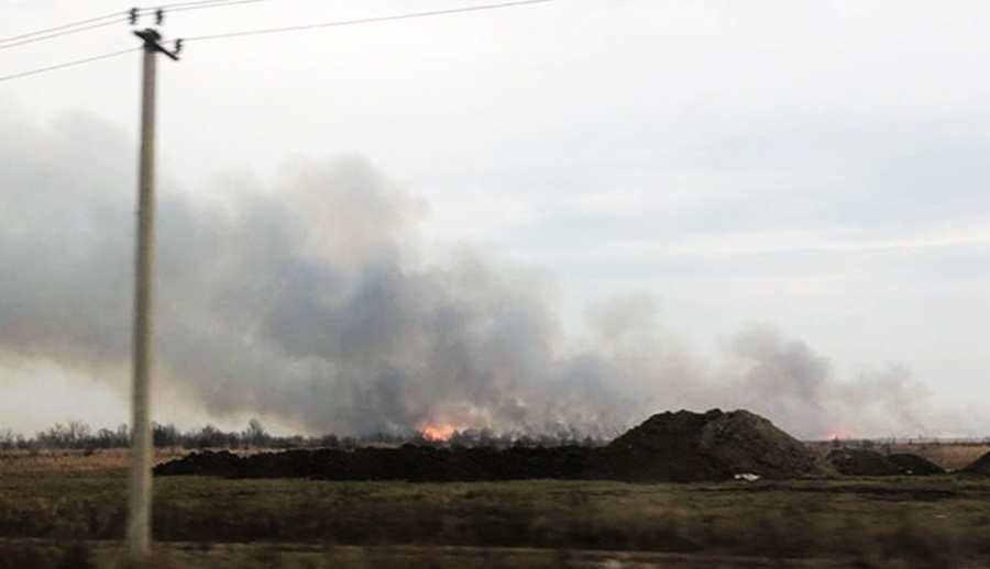 Пепел от пожара в Адыгее летит в Краснодар