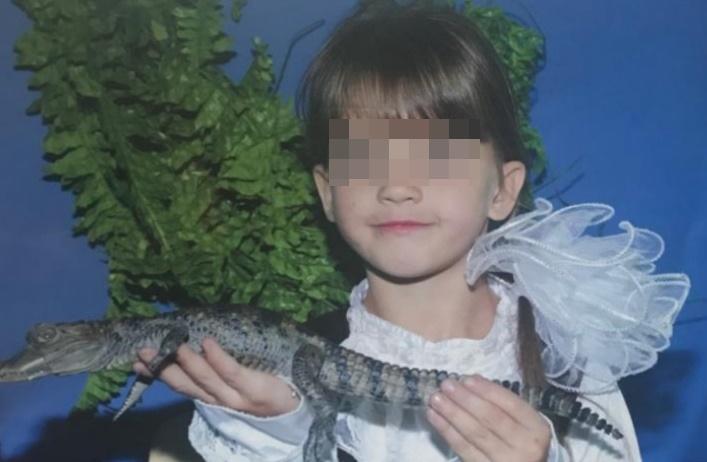 В хуторе Родниковском неподалеку от туалета, где нашли девочку, установлены камеры наблюдения