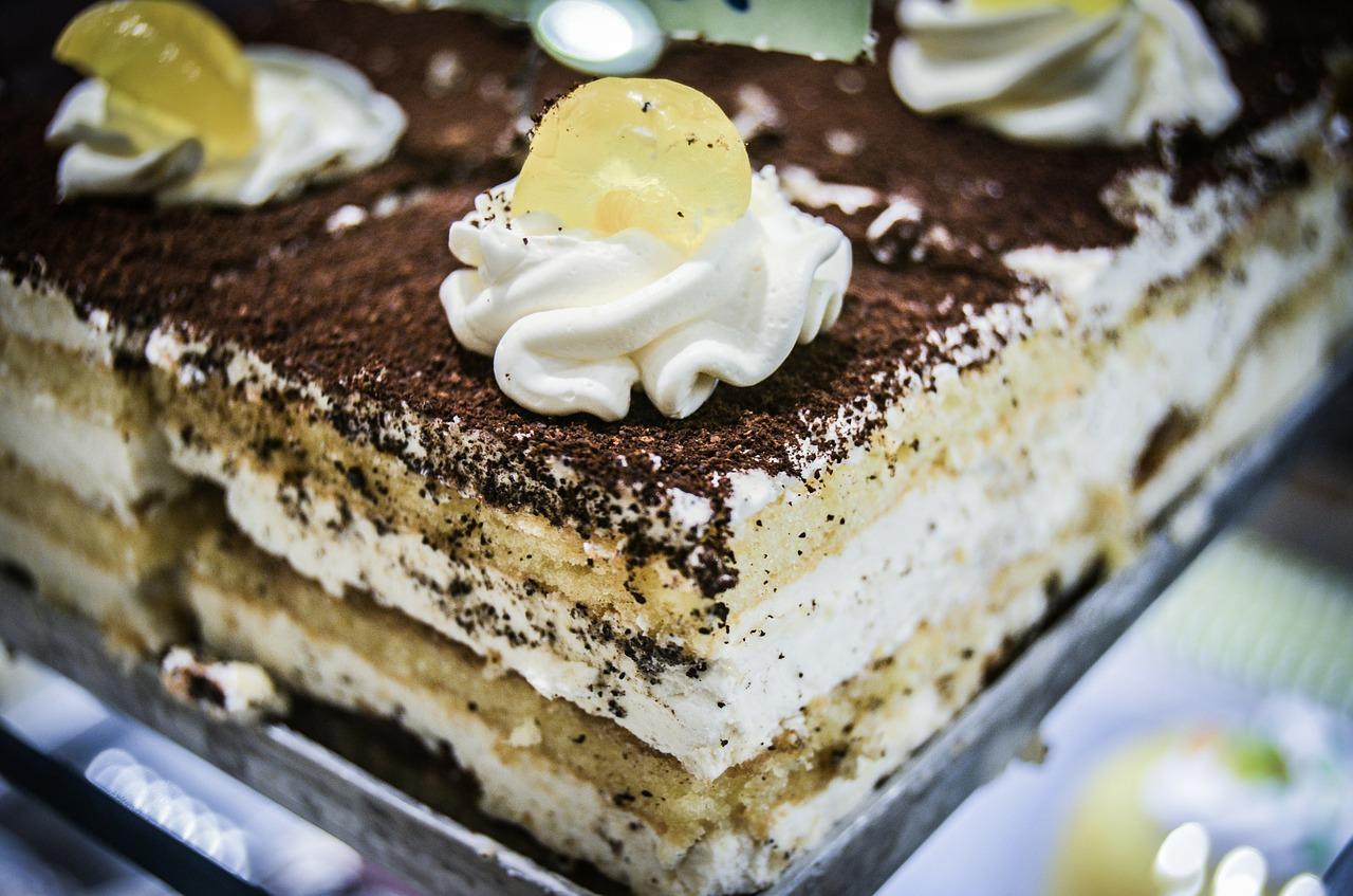 Купить торт: эксперты рассказали, как правильно выбирать сладкие десерты