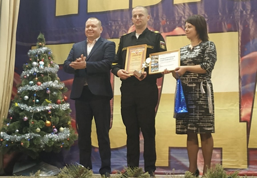 Танкист Черноморского флота спас ребенка из пожара