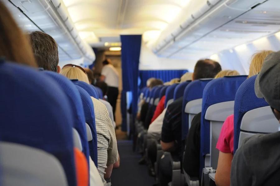 На борту самолета Москва-Краснодар не нашли взрывчатку