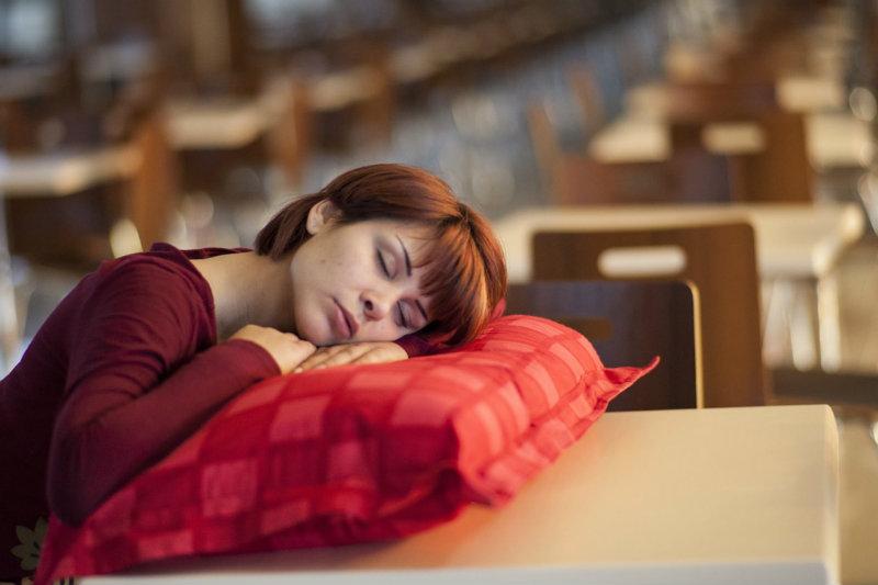 Дневной сон смертельно опасен, выяснили ученые