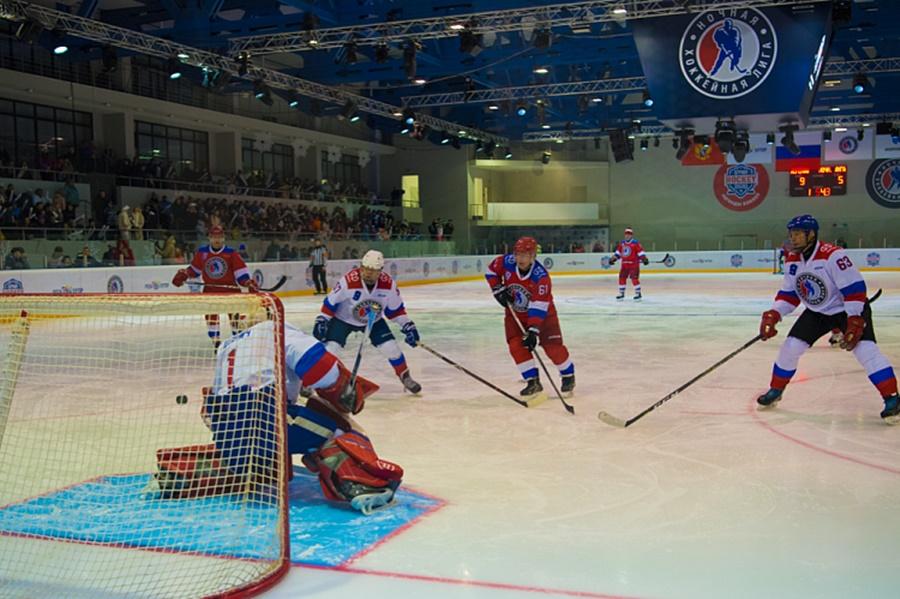 Звезды хоккея на благотворительном матче в Сочи собрали для детей-инвалидов более 2 млн