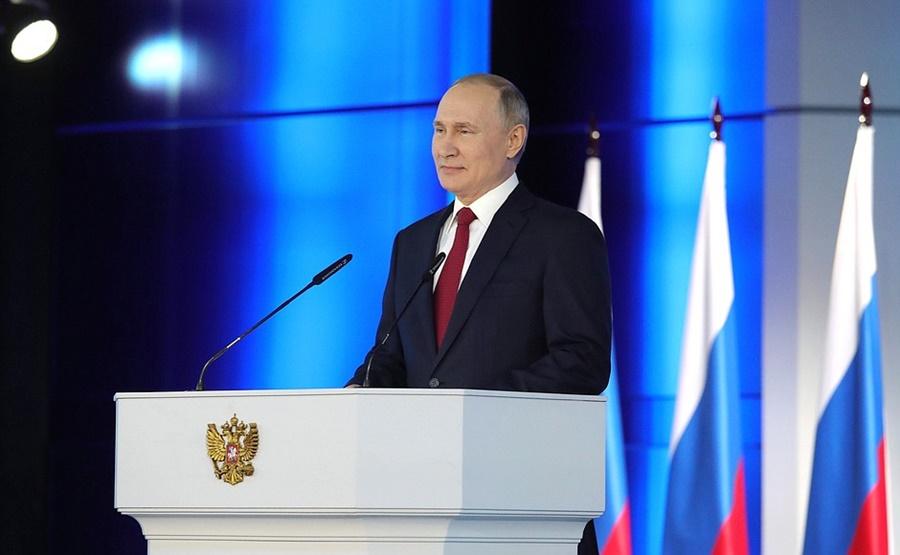 Путин пообещал увеличить маткапитал и начать выплаты уже при рождении первого ребенка