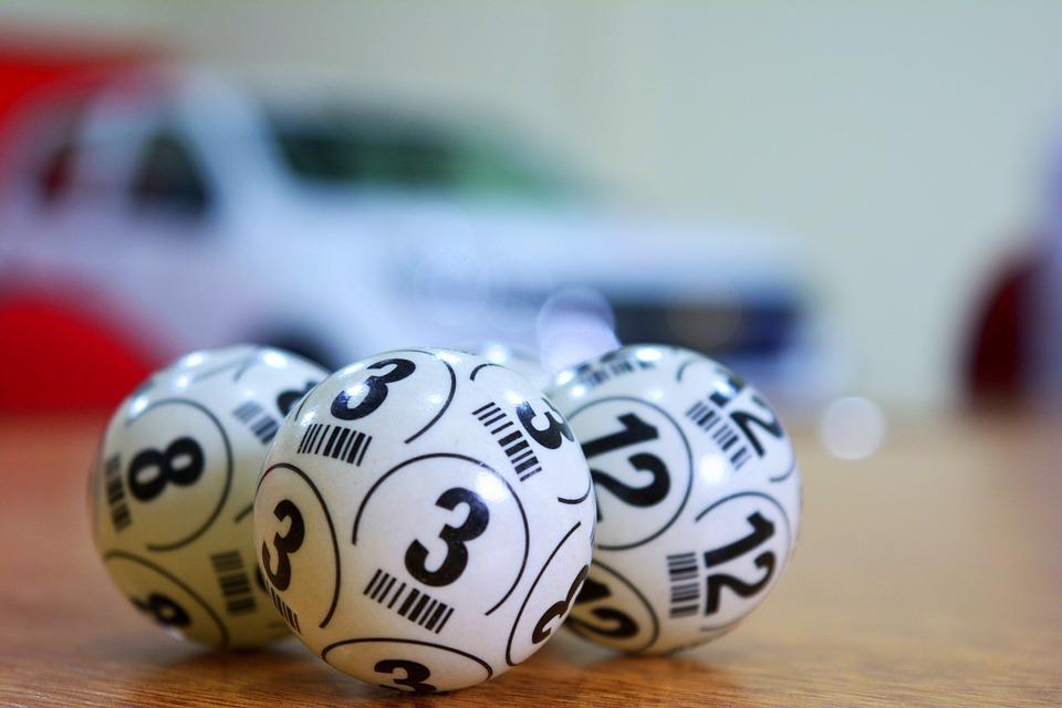Россиянин выиграл миллиард рублей в лотерее