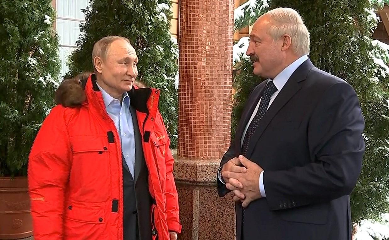 Путин и Лукашенко проводят переговоры в Сочи