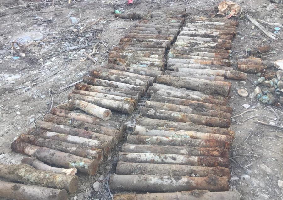 Возле заправки в Новороссийске нашли схрон боеприпасов времен войны