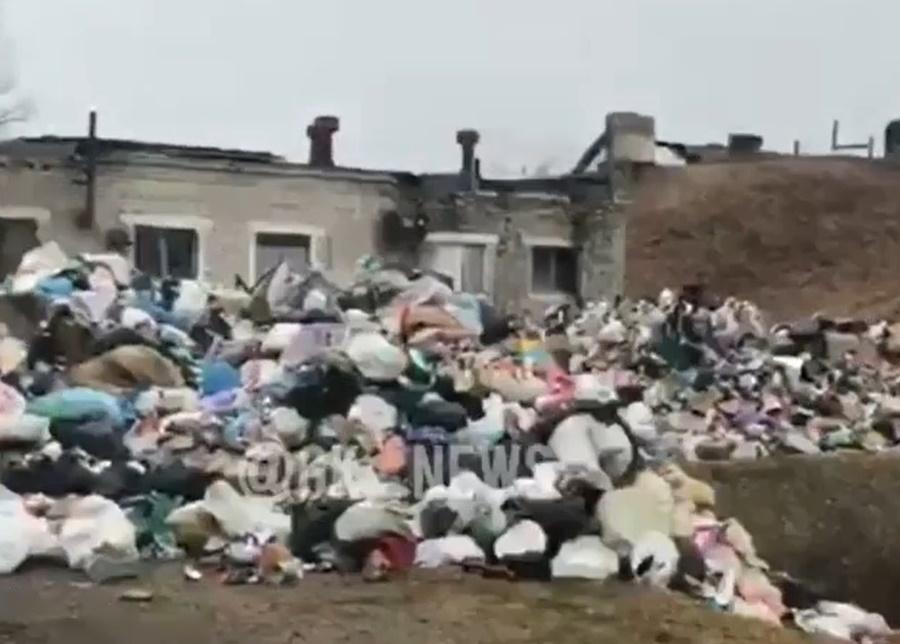 Жители Горячего Ключа перекрыли мусоровозам дорогу к незаконной свалке