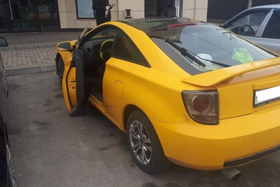 За долги по коммуналке у жительницы Кубани отобрали спорткар