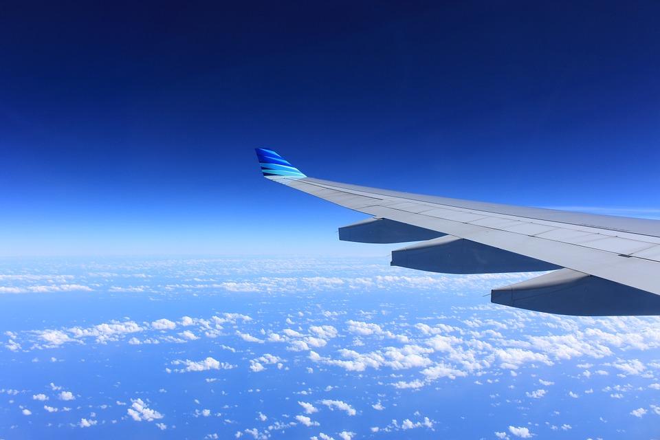 Летевший в Сочи самолет с туристами вернулся в Пермь