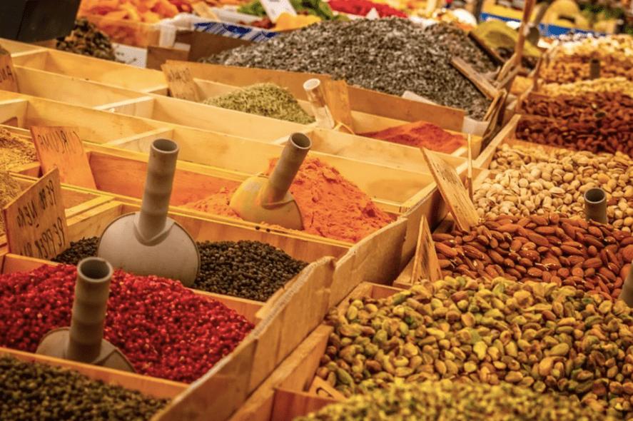 В Краснодаре начали работать некоторые рынки и ярмарки
