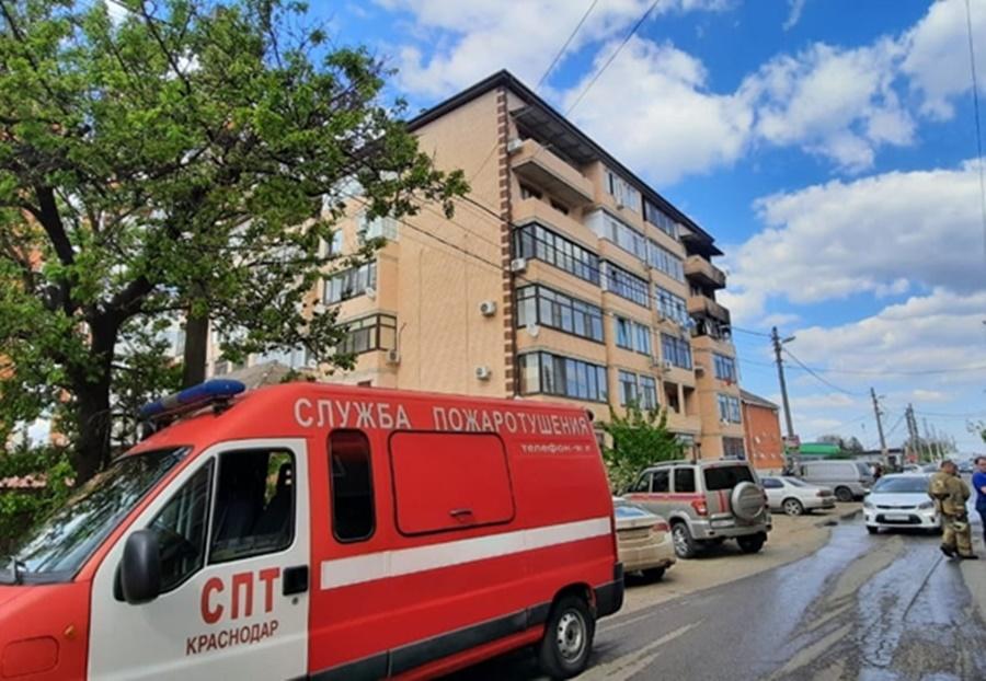 В Краснодаре пенсионер выпрыгнул с четвёртого этажа, спасаясь от пожара после взрыва