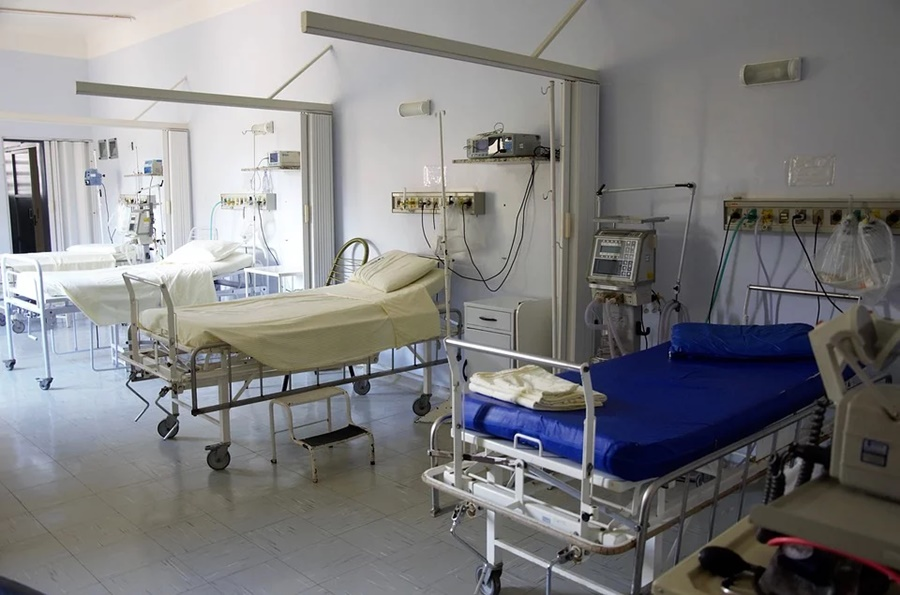 Больше половины пациентов с коронавирусом в России заразились внутри страны
