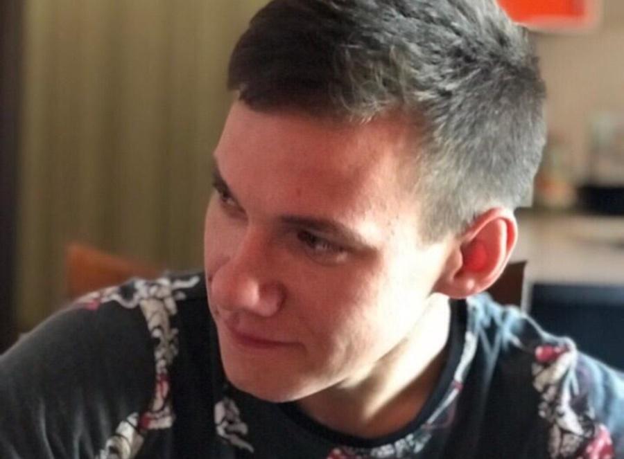 В Темрюке 18-летний парень спас женщину из горящей квартиры