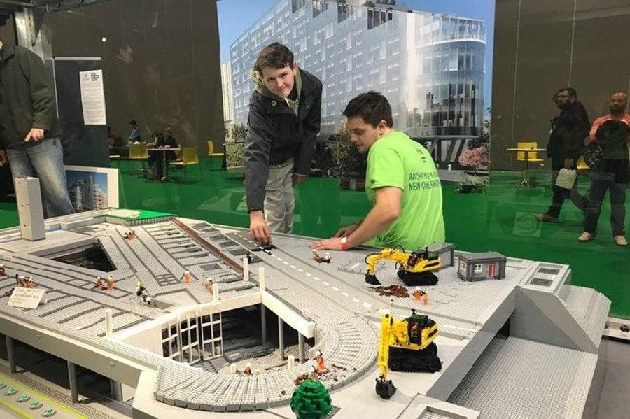 В Краснодаре из Lego собрали самую большую в мире модель подземного перехода