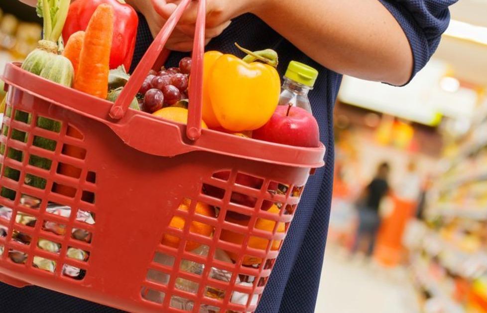 На Кубани нуждающимся раздают продуктовые наборы