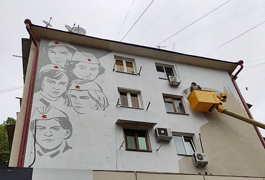Изображение героинь повести «А зори здесь тихие» появится на фасаде дома в Сочи
