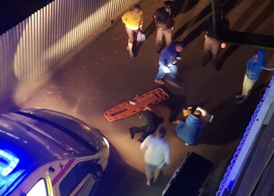 С третьего этажа обсерватора в Анапе спрыгнул 49-летний мужчина