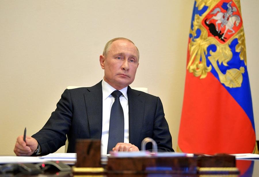 Путин 11 мая обсудит возможность продления режима нерабочих дней