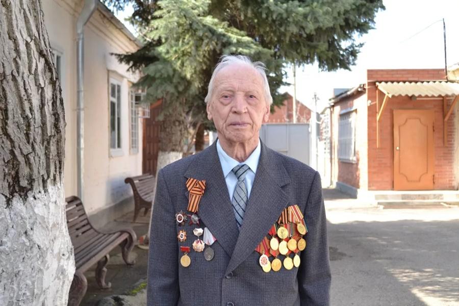 Лауреатом главной медицинской премии «Призвание» стал 97-летний врач из Славянска-на-Кубани
