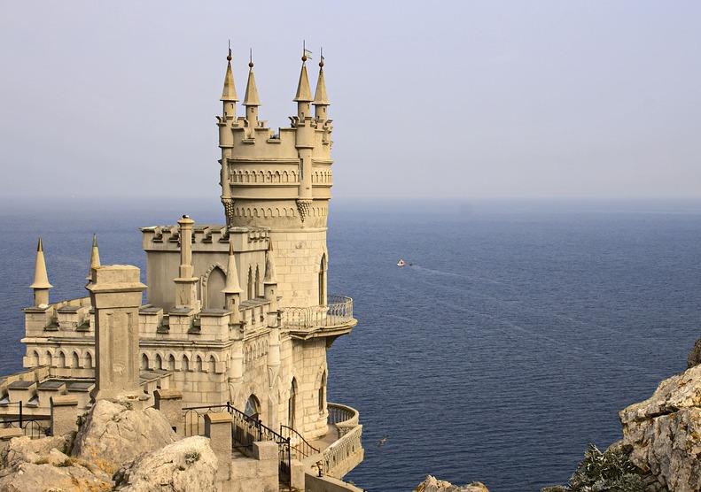 Стало известно, как и когда начнут работать курорты Крыма
