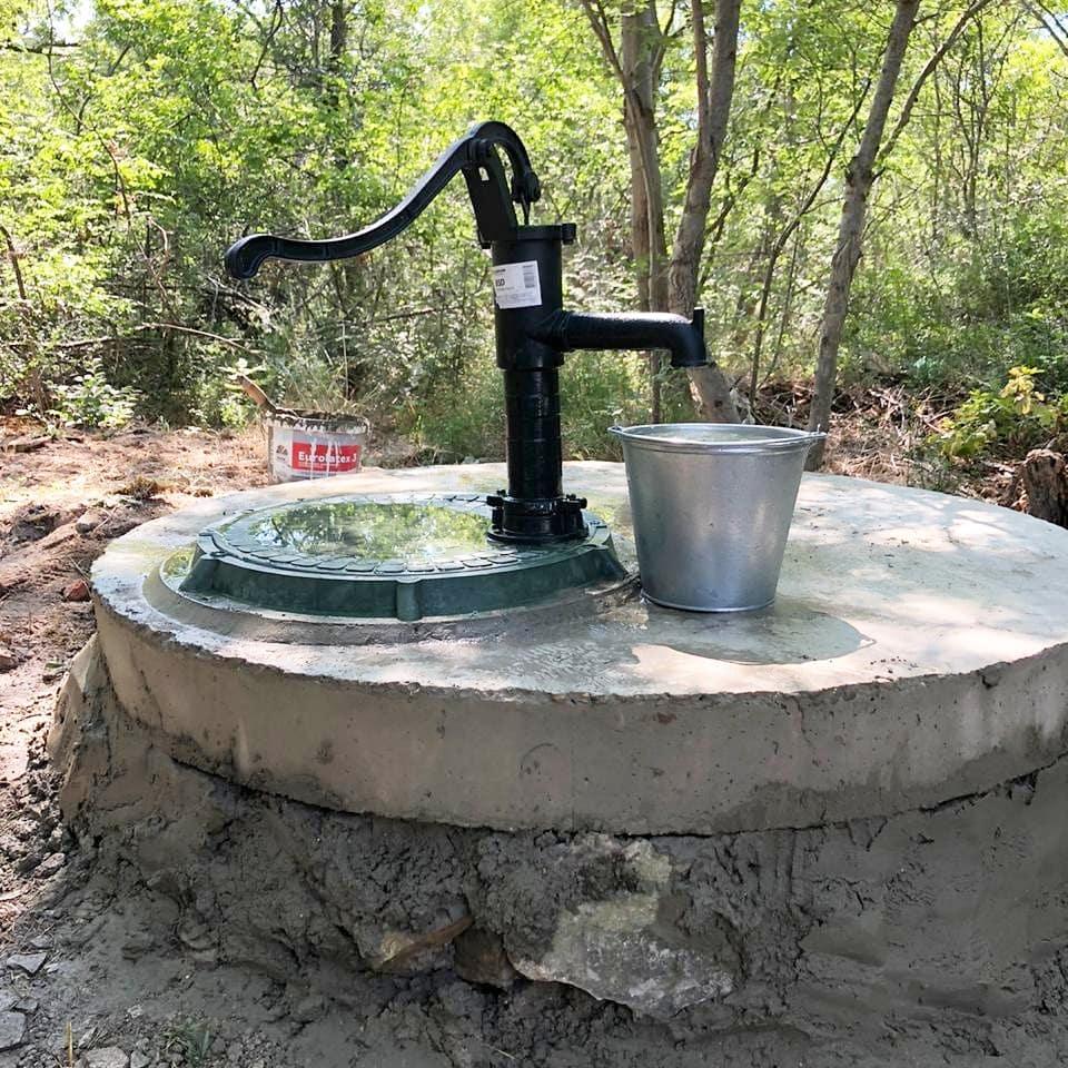 Мэр Геленджика поручил восстановить уличные колонки, чтобы обеспечить людей водой