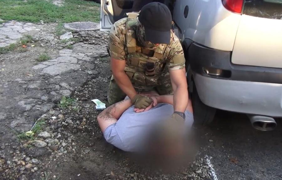 В Краснодаре задержали сутенеров, силой принуждавших девушек к занятию проституцией