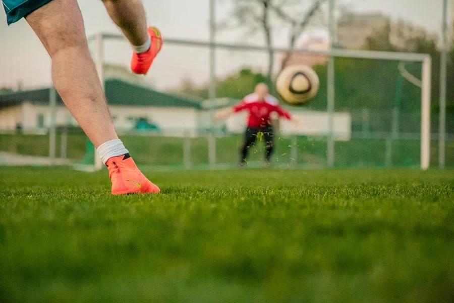 В Краснодаре лжетренер продавал подросткам карьеру профессиональных футболистов