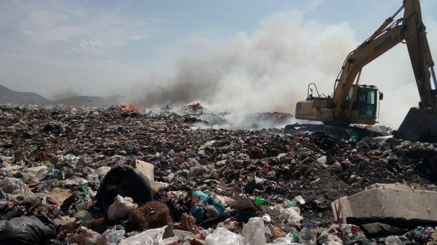 В Новороссийске на свалке вспыхнул крупный пожар