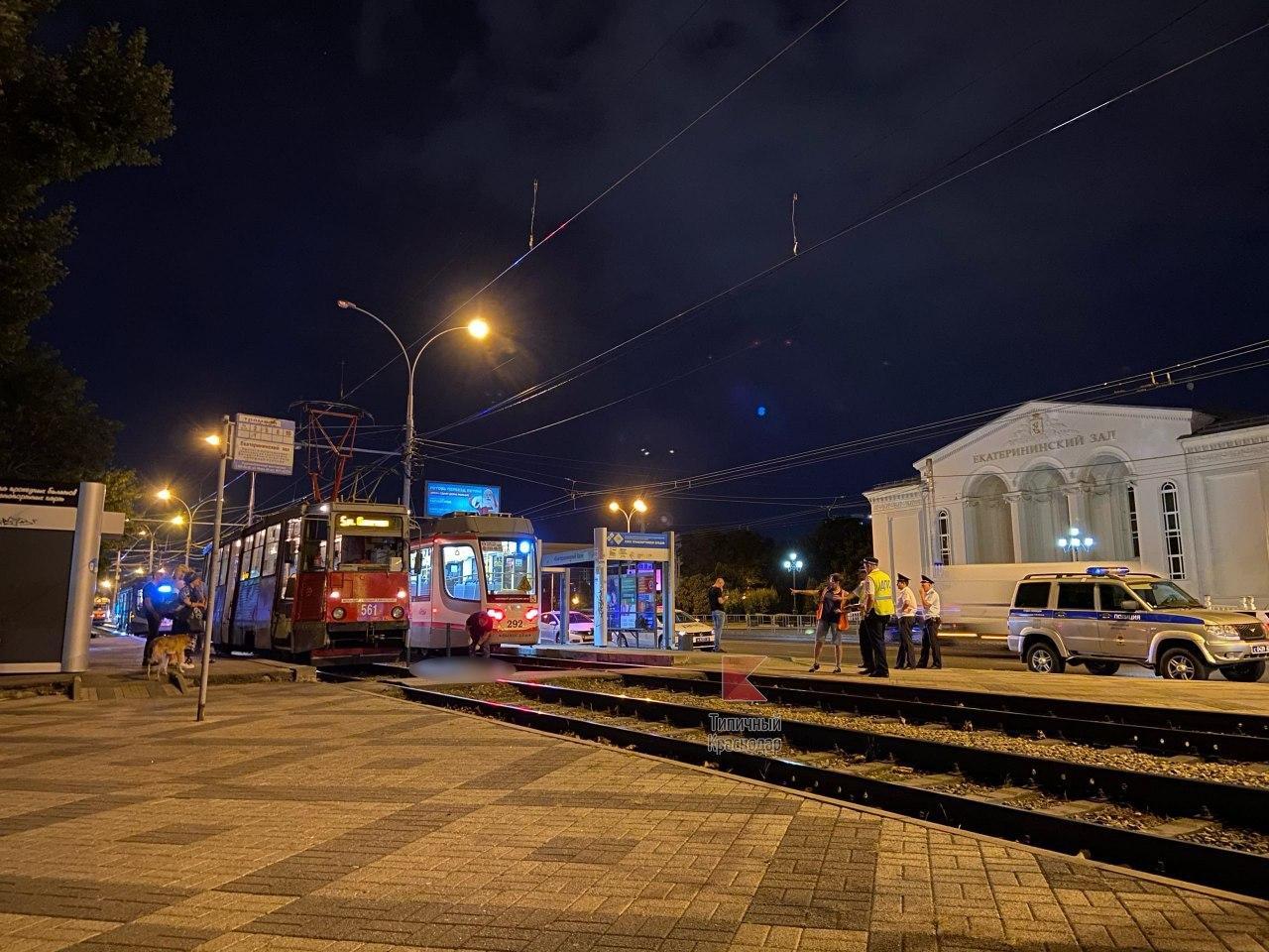 В Краснодаре мужчину насмерть сбил трамвай