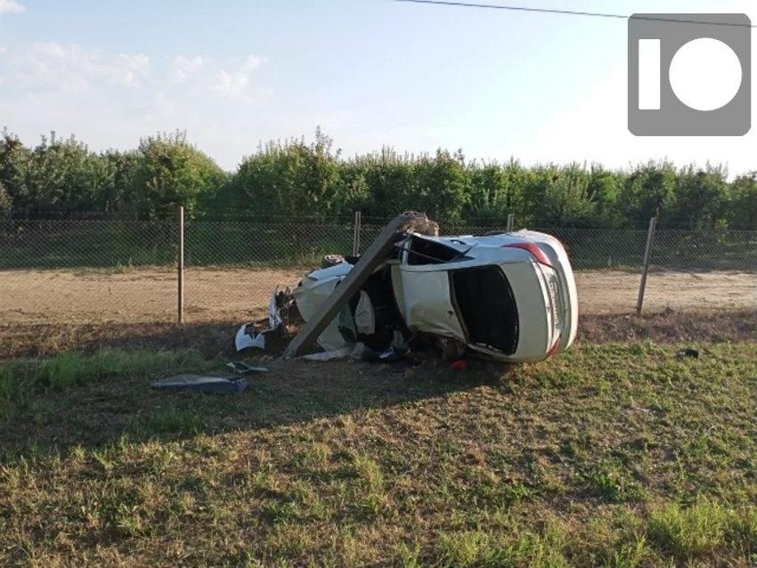 На Кубани погиб водитель после столкновения с электроопорой