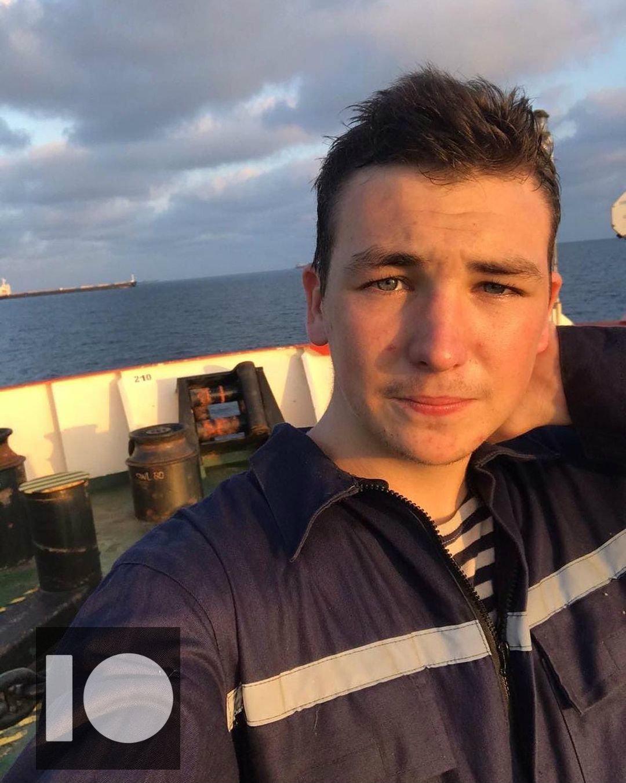 Семья разыскивает пропавшего 18-летнего моряка с нефтяного танкера