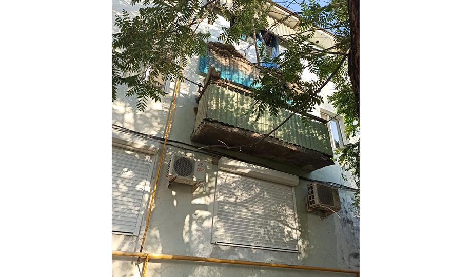 СК возбудил дело после обрушения балкона в многоэтажке Темрюка