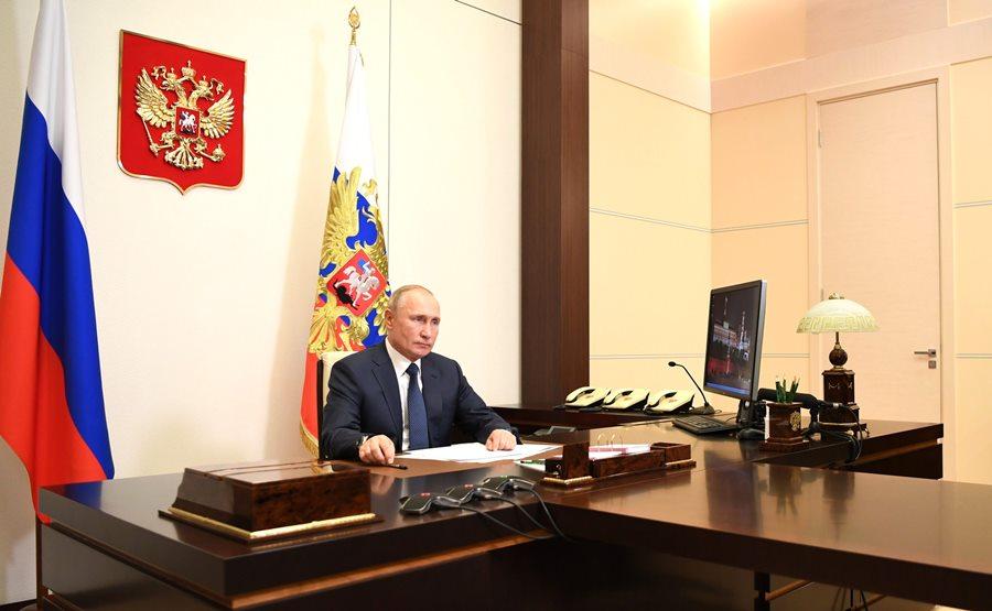 Путин проведет в Сочи серию военных совещаний